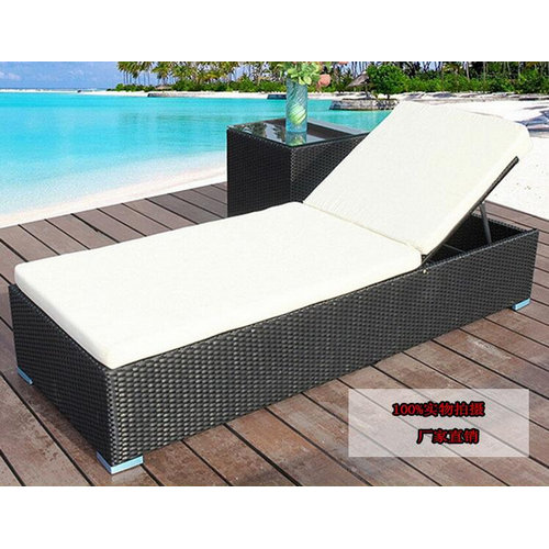 Outdoor Sun Loungers/garden rattan chaise lounge with cushio